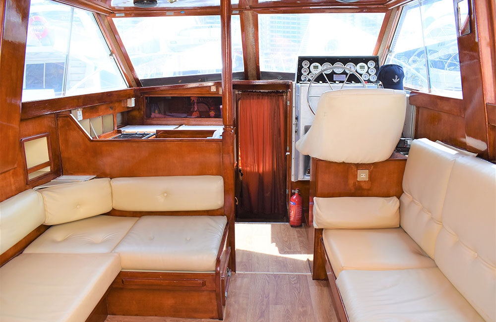 Sophistication inside this Luxury Yacht Riverside having luxe sitting area for guest to relax or party